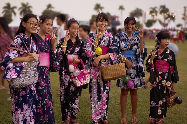 japanese-teenager-861950_640