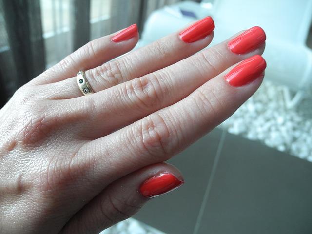 nail-varnish-674422_640